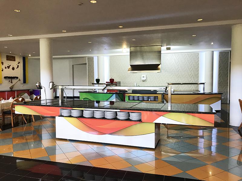 Le Club Hotel Drago Park Agrandit Son Installation Avec Deux Buffets King's Buffets