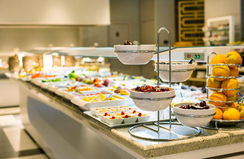 A Good Buffet So That The Presentation Of Food Is Guaranteed With Maximum Hygiene