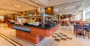 Hôtel Puertobahia Adaptant Ses Buffets Covid Free