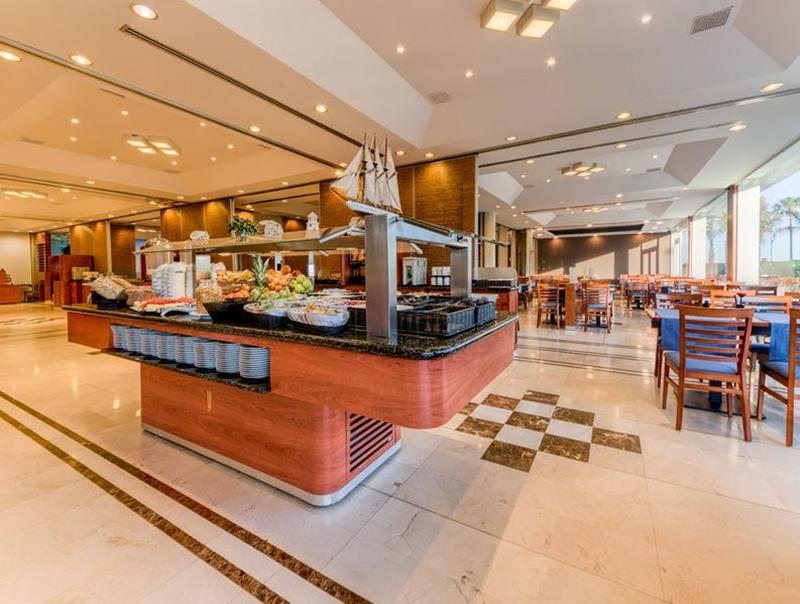Hotel Puertobahía Adaptando Sus Buffets Covid Free